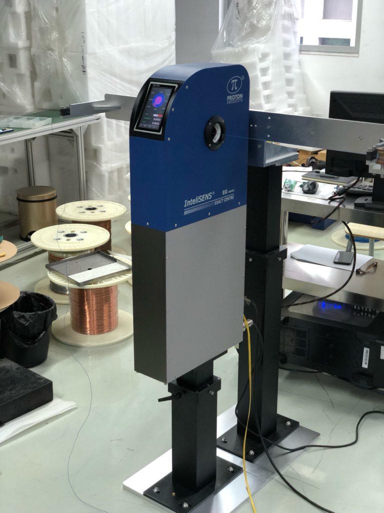 Измеритель эксцентриситета, овальности, диаметра, толщины оболочки в 8 сечениях и поверхностных дефектов в одном приборе