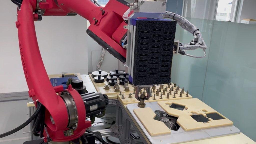 Роботы, изготавливающие и калибрующие измерители диаметров и счетчики длины кабеля, проволоки, труб в движении