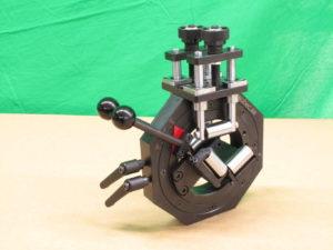 Направляющие для бесконтактных измерений диаметра или габаритов секторной жилы, кабеля